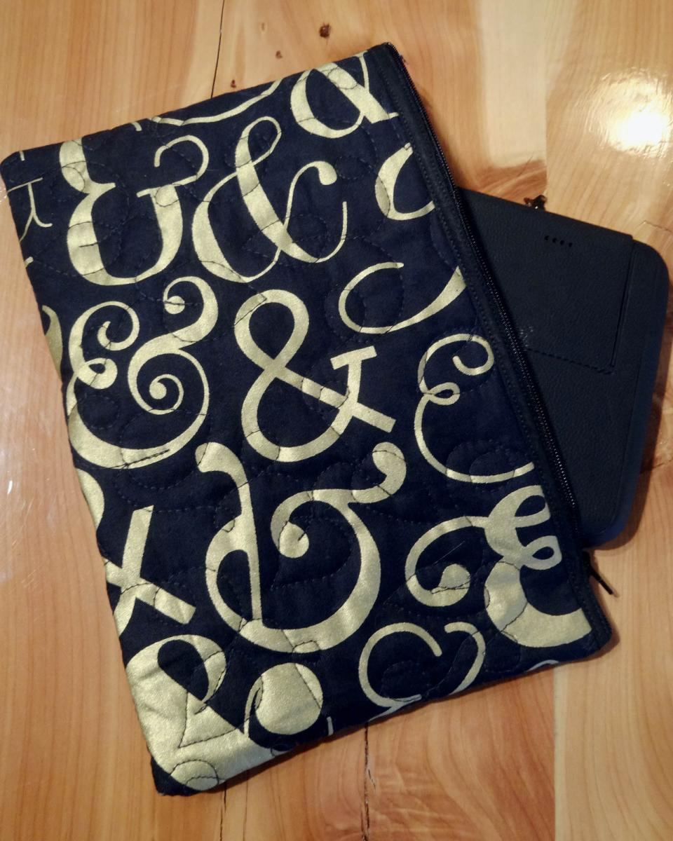 Quilted tablet pouch